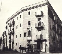 Antiga font de la plaça de Capdecreu
