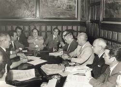 Acte de signatura del conveni de municipalització del servei de l'aigua (1968)